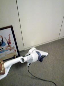 サイクロン掃除機で楽しく掃除